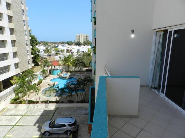 Apartamento Miranda>Higuerote>Puerto Encantado - Venta:9.053.000.000 Bolivares Fuertes - codigo: 16-2654
