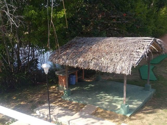 Townhouse Miranda>Rio Chico>Los Canales de Rio Chico - Venta:55.909.000.000 Precio Referencial - codigo: 16-2630