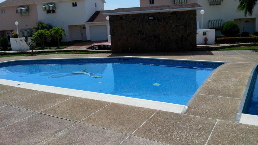 Townhouse Nueva Esparta>Margarita>Porlamar - Venta:91.609.000.000 Precio Referencial - codigo: 16-2749