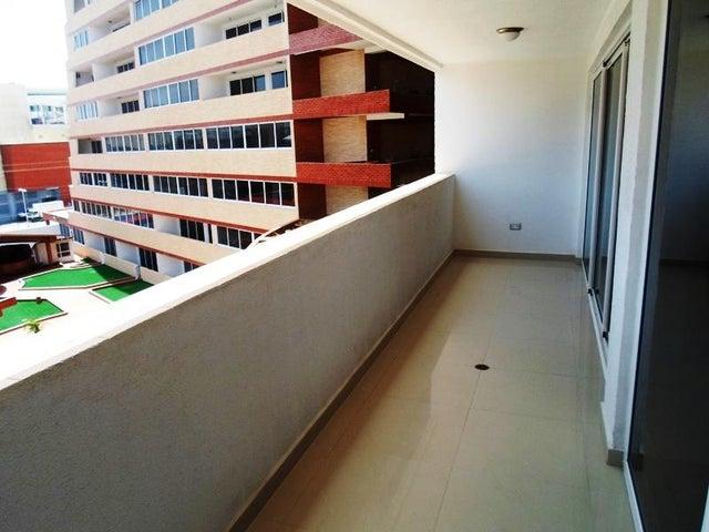 Apartamento Nueva Esparta>Margarita>Costa Azul - Venta:130.000 US Dollar - codigo: 16-2752
