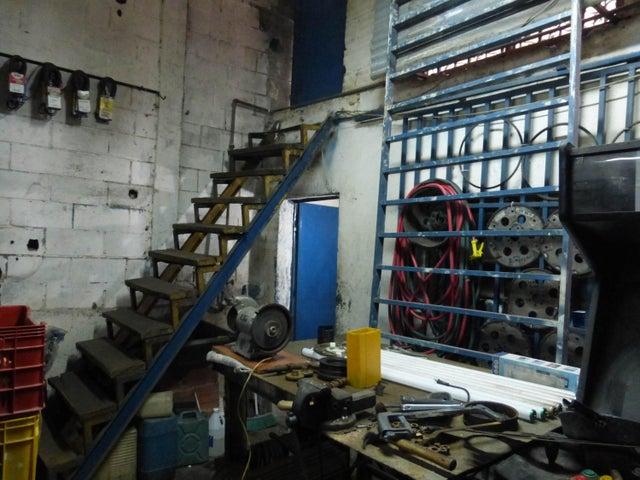 Negocios y Empresas Distrito Metropolitano>Caracas>Palo Verde - Venta:0 Bolivares - codigo: 16-2800
