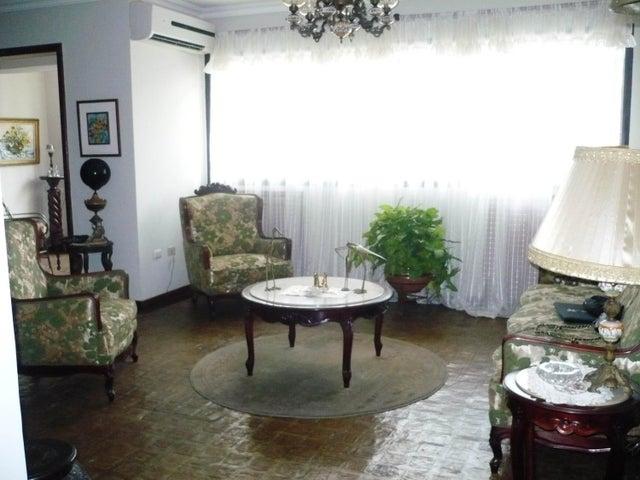 Apartamento Carabobo>Valencia>Los Mangos - Venta:9.600.000.000 Bolivares Fuertes - codigo: 16-2804