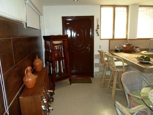 Townhouse Nueva Esparta>Margarita>Los Robles - Venta:35.000 US Dollar - codigo: 16-2594