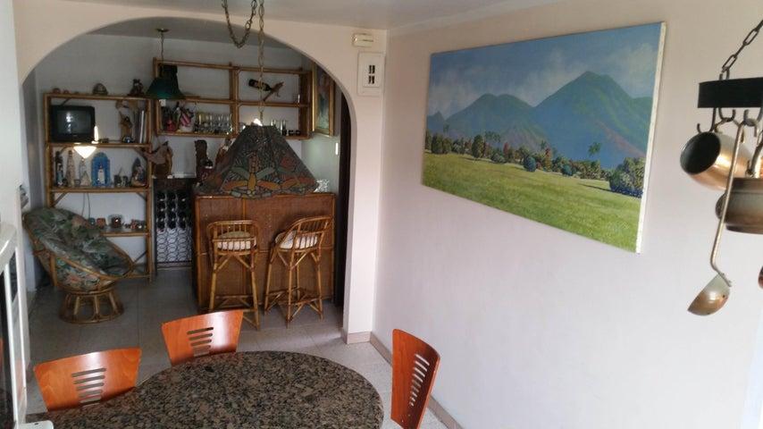 Casa Distrito Metropolitano>Caracas>El Llanito - Venta:150.000 Precio Referencial - codigo: 16-2858