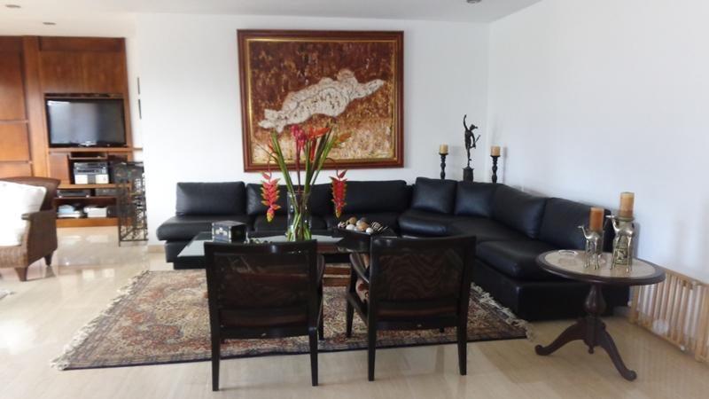 Apartamento Distrito Metropolitano>Caracas>Las Mesetas de Santa Rosa de Lima - Venta:104.242.000.000 Bolivares Fuertes - codigo: 16-2907