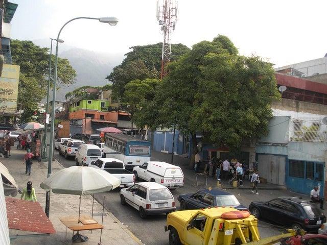 Local Comercial Distrito Metropolitano>Caracas>Guaicaipuro - Venta:36.000.000.000 Bolivares - codigo: 16-3012