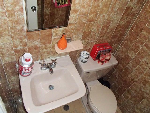 Apartamento Distrito Metropolitano>Caracas>La Boyera - Venta:27.158.000.000 Bolivares Fuertes - codigo: 16-2581