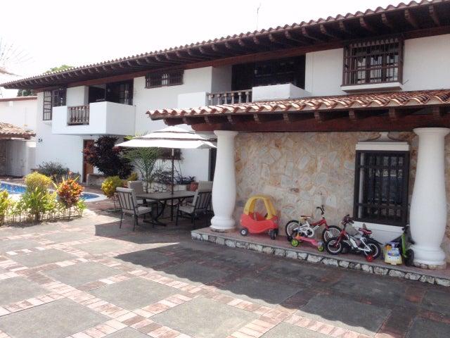 Casa Distrito Metropolitano>Caracas>Caurimare - Venta:418.909.000.000 Bolivares - codigo: 16-3050