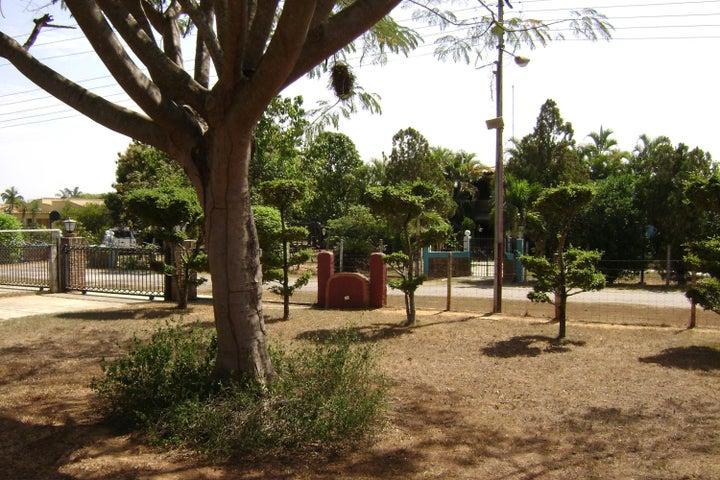 Casa Carabobo>Valencia>Safari Country Club - Venta:110.000.000 Bolivares - codigo: 16-3134