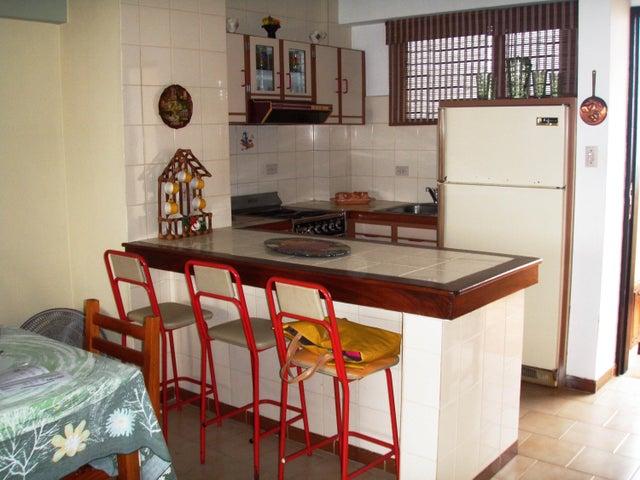 Apartamento Miranda>Higuerote>Agua Sal - Venta:9.238.000.000 Bolivares Fuertes - codigo: 16-3151