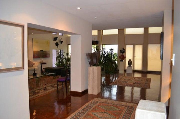Apartamento Zulia>Maracaibo>La Lago - Venta:239.497.000.000 Precio Referencial - codigo: 15-9548