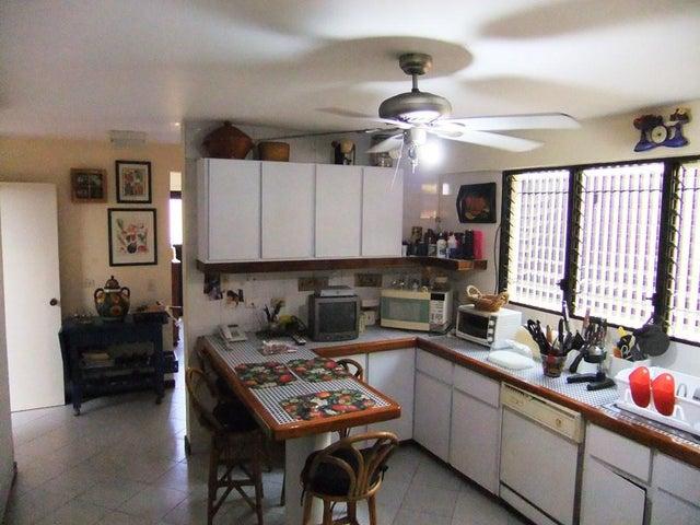 Casa Distrito Metropolitano>Caracas>Santa Fe Norte - Venta:349.517.000.000 Precio Referencial - codigo: 16-3196
