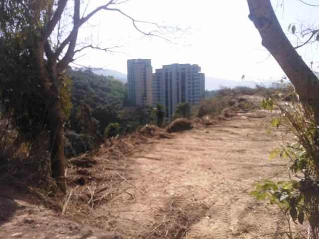 Terreno Distrito Metropolitano>Caracas>Alto Hatillo - Venta:388.374.000 Precio Referencial - codigo: 09-1784