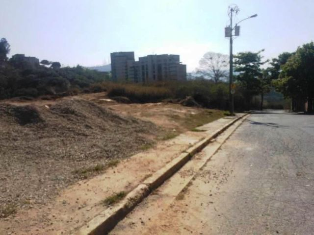 Terreno Distrito Metropolitano>Caracas>Alto Hatillo - Venta:55.848.000 Precio Referencial - codigo: 09-1784