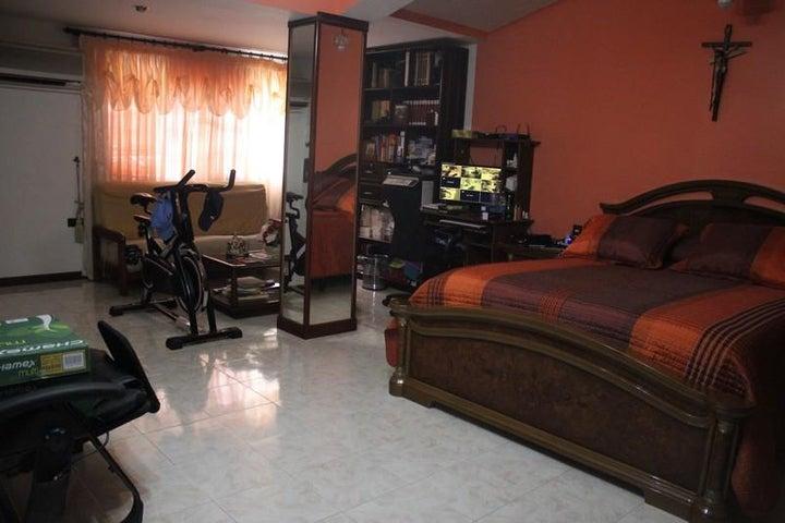 Casa Miranda>Charallave>Paso Real - Venta:366.435.000.000 Precio Referencial - codigo: 16-3272