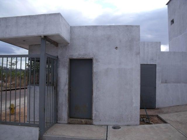 Townhouse Bolivar>Puerto Ordaz>Caronoco - Venta:15.275.000.000 Bolivares Fuertes - codigo: 16-3244