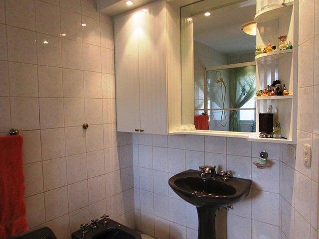Apartamento Distrito Metropolitano>Caracas>Miranda - Venta:29.326.000.000 Bolivares Fuertes - codigo: 16-3273