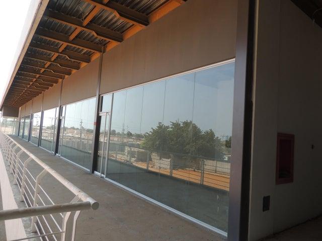 Local Comercial Zulia>Municipio San Francisco>San Francisco - Venta:11.917.000.000 Bolivares Fuertes - codigo: 16-3284