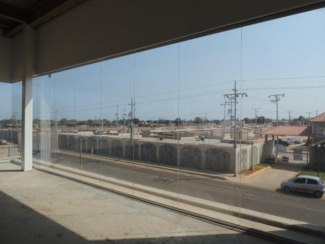 Local Comercial Zulia>Municipio San Francisco>San Francisco - Venta:38.109.000.000 Precio Referencial - codigo: 16-3321