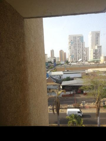 Oficina Zulia>Maracaibo>Avenida Bella Vista - Venta:945.000.000 Bolivares - codigo: 16-3349