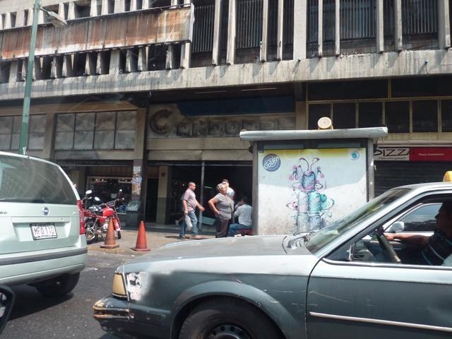 Local Comercial Distrito Metropolitano>Caracas>Parroquia La Candelaria - Venta:33.590.000.000 Precio Referencial - codigo: 16-3899