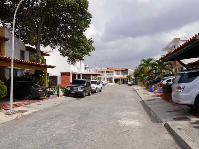 Casa Lara>Barquisimeto>La Rosaleda - Venta:36.094.000.000 Bolivares Fuertes - codigo: 16-3526