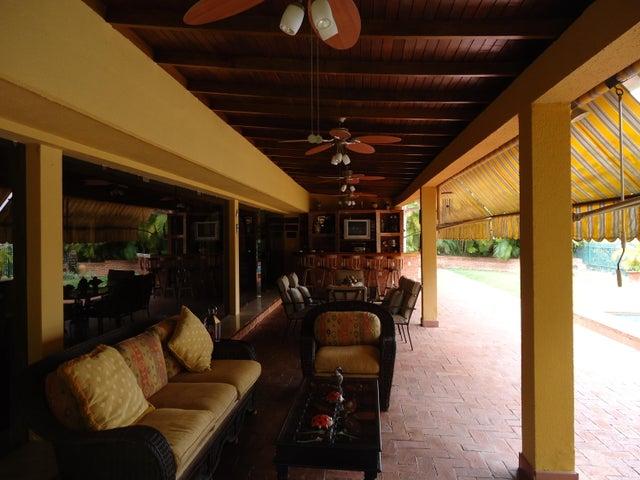 Casa Distrito Metropolitano>Caracas>Alto Hatillo - Venta:66.524.000 Precio Referencial - codigo: 16-3612