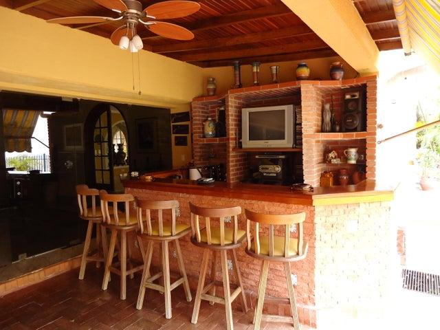 Casa Distrito Metropolitano>Caracas>Alto Hatillo - Venta:600.000 US Dollar - codigo: 16-3612