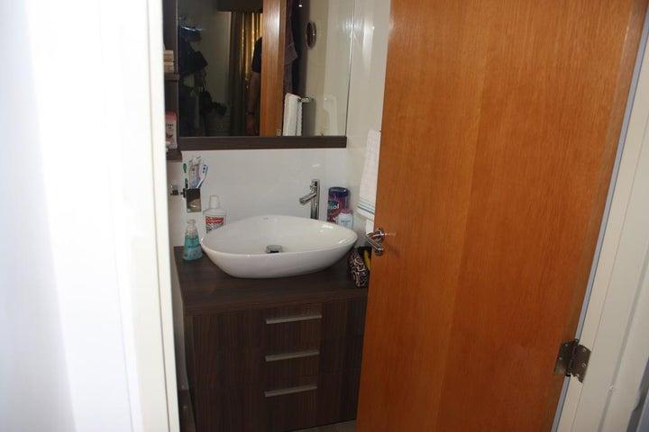 Apartamento Distrito Metropolitano>Caracas>La Castellana - Venta:122.145.000.000 Precio Referencial - codigo: 16-3598