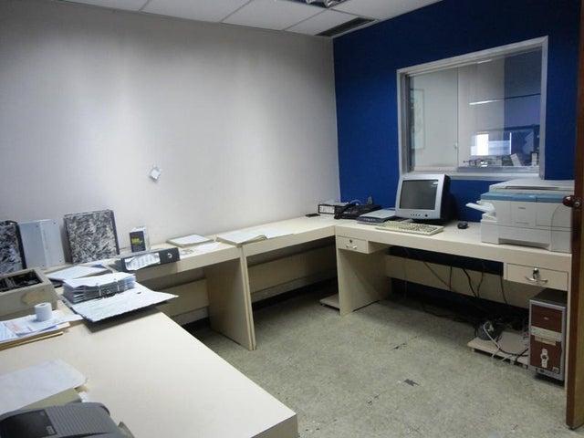 Local Comercial Distrito Metropolitano>Caracas>Prado de Maria - Venta:751.134.000.000  - codigo: 16-3703