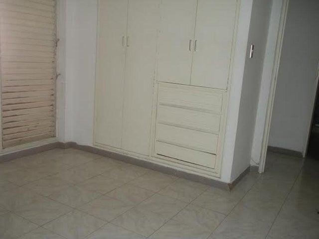 Apartamento Distrito Metropolitano>Caracas>Los Naranjos del Cafetal - Venta:140.467.000.000 Precio Referencial - codigo: 16-4619