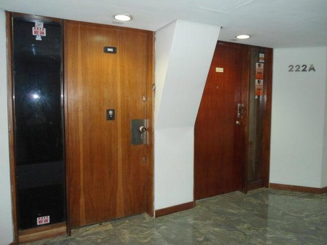 Oficina Distrito Metropolitano>Caracas>Chuao - Venta:171.581.000.000 Precio Referencial - codigo: 16-3646