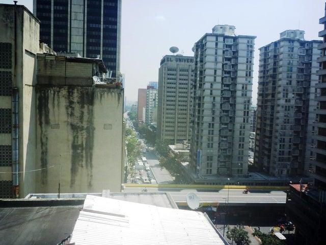 Edificio Distrito Metropolitano>Caracas>Parroquia Altagracia - Venta:1.038.234.000.000 Precio Referencial - codigo: 16-3720