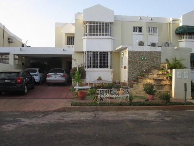 Casa Zulia>Maracaibo>El Pilar - Venta:730.000.000 Bolivares - codigo: 16-3802