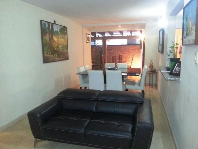 Apartamento Distrito Metropolitano>Caracas>Colinas de La Tahona - Venta:117.870.000.000 Precio Referencial - codigo: 16-3940