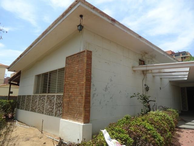 Terreno Zulia>Maracaibo>Santa Maria - Venta:63.025.000.000 Bolivares - codigo: 16-3803