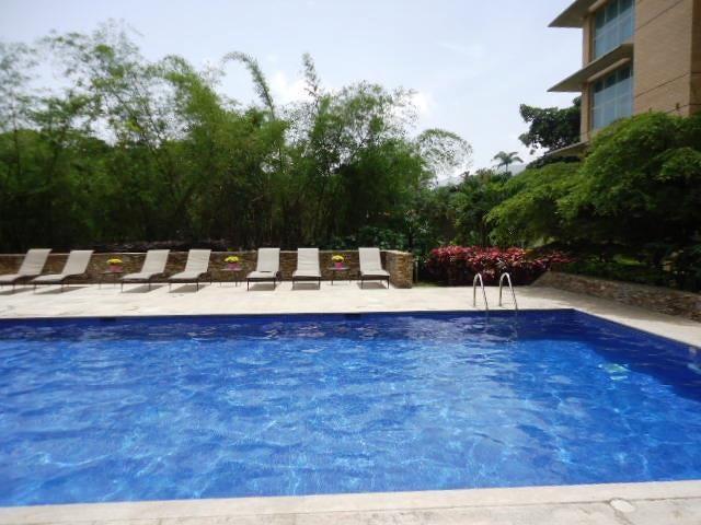 Apartamento Distrito Metropolitano>Caracas>Campo Alegre - Venta:213.754.000.000 Precio Referencial - codigo: 16-3810