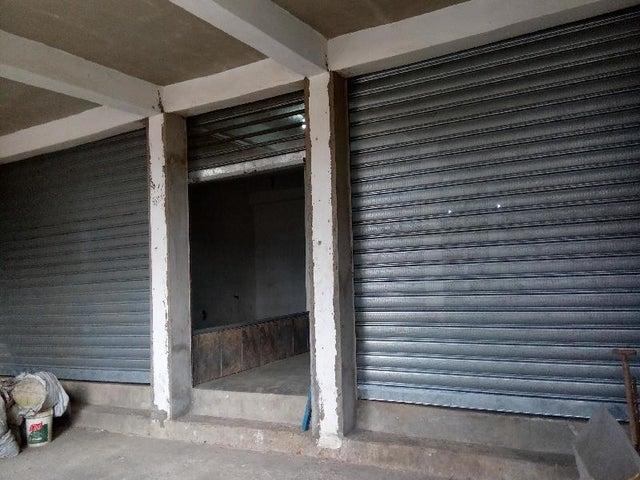 Edificio Miranda>Municipio Independencia>Cartanal - Venta:119.092.000.000 Bolivares - codigo: 16-3883
