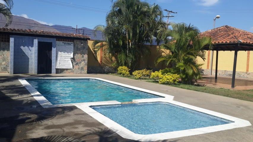 Casa Carabobo>Municipio San Diego>Valles del Nogal - Venta:68.000.000 Bolivares - codigo: 16-3931
