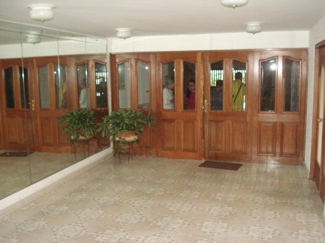 Apartamento Distrito Metropolitano>Caracas>Montalban II - Venta:11.316.000.000 Bolivares Fuertes - codigo: 16-3923