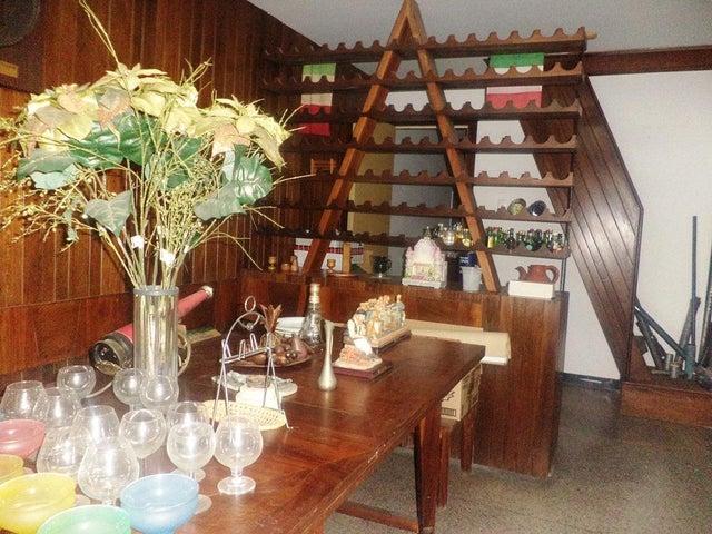 Casa Distrito Metropolitano>Caracas>La Floresta - Venta:65.720.000.000 Bolivares - codigo: 16-3933