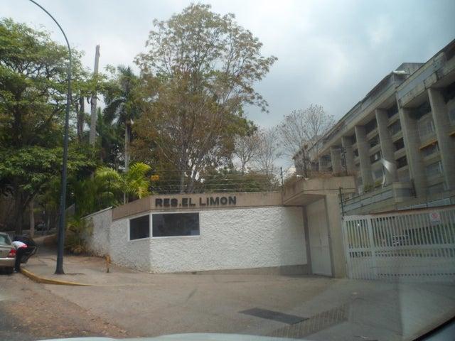 Apartamento Distrito Metropolitano>Caracas>El Cafetal - Venta:503.250.000 Bolivares Fuertes - codigo: 16-3944