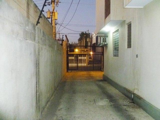 Apartamento Zulia>Maracaibo>Las Delicias - Venta:150.000.000 Bolivares Fuertes - codigo: 16-2275