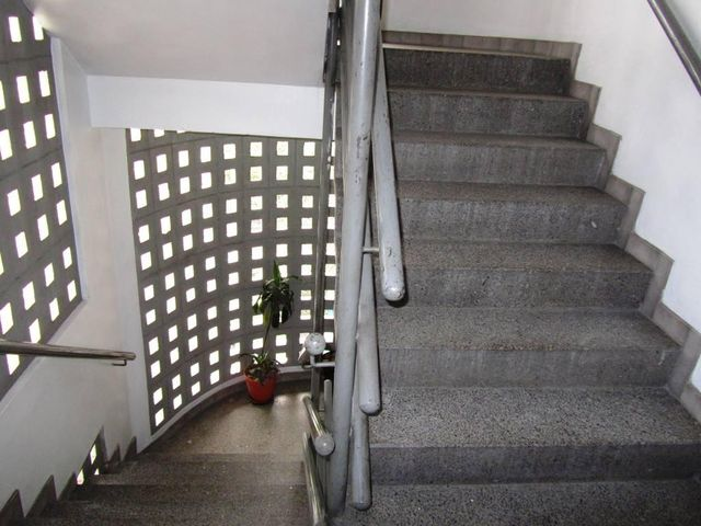 Apartamento Distrito Metropolitano>Caracas>San Jose - Venta:52.500 US Dollar - codigo: 16-3985