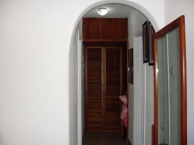 Apartamento Distrito Metropolitano>Caracas>Colinas de Bello Monte - Venta:172.500.000 Bolivares Fuertes - codigo: 16-3998