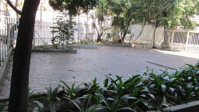 Apartamento Distrito Metropolitano>Caracas>Los Caobos - Venta:27.070.000.000 Bolivares Fuertes - codigo: 16-4105