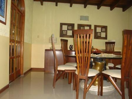 Casa Aragua>Maracay>El Castaño (Zona Privada) - Venta:20.303.000.000 Bolivares Fuertes - codigo: 16-4133