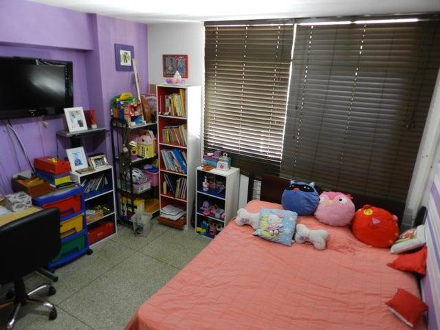 Apartamento Distrito Metropolitano>Caracas>Los Chaguaramos - Venta:60.568.000.000 Precio Referencial - codigo: 16-4260
