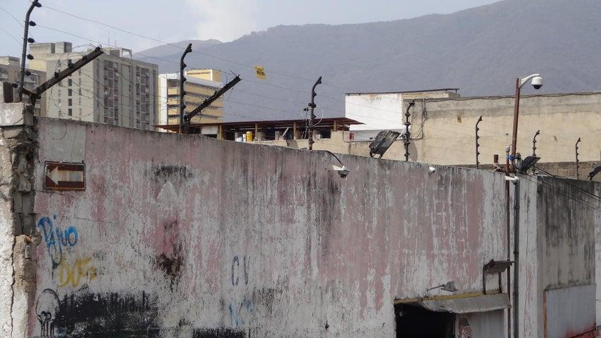 Galpon - Deposito Distrito Metropolitano>Caracas>Catia - Venta:157.564.000.000 Precio Referencial - codigo: 16-4280