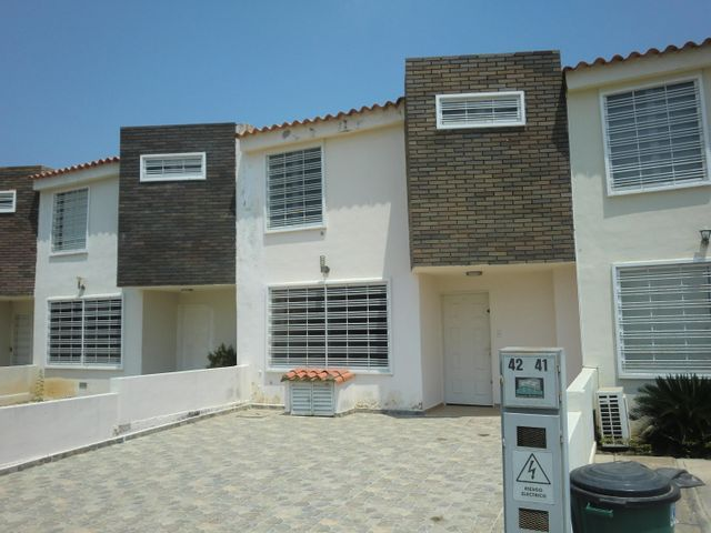 Casa Lara>Cabudare>Parroquia José Gregorio - Venta:45.000.000 Bolivares - codigo: 16-4298